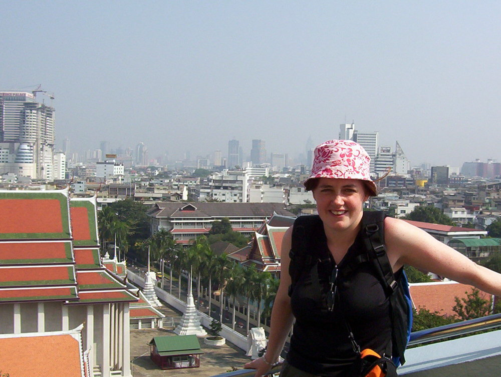 Travelling to Asia? Learn from the pros and don't fall for the Travel Scams in Asia! www.teacaketravels.com